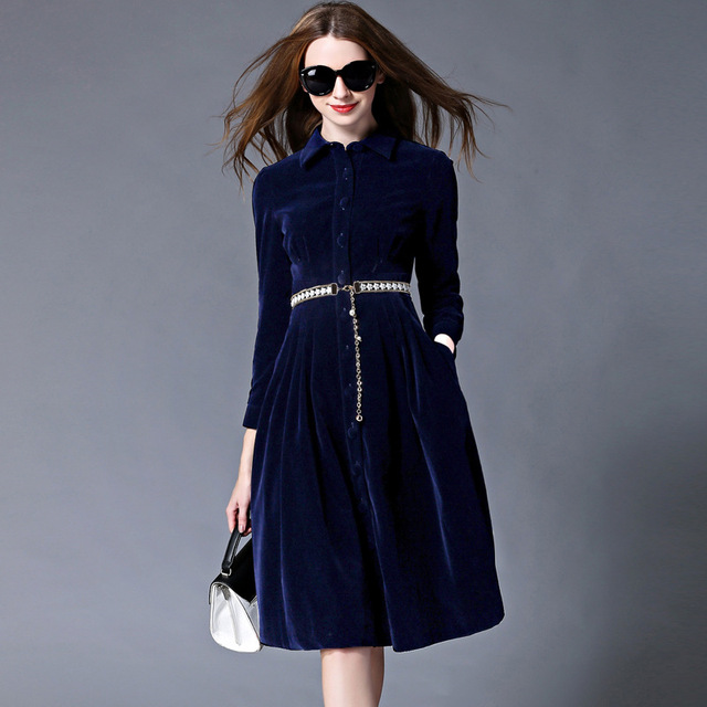 Blauwe fluwelen jurk