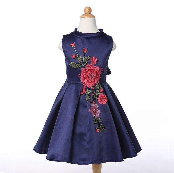 9a7eaac3ac 2018 dziecko kwiat haft sukienka dziewczyna projektuje rocznika cekiny  biała suknia wieczorowa na imprezę i wesele paw suknie dla dzieci