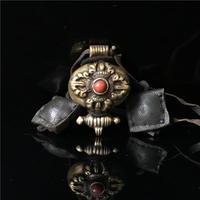 TGB001 Tibetano Vecchio Ottone Dorato Dorje Box Preghiera Tibet Anticato Collana Pendente Amuleto con Borse in pelle di mucca Catena