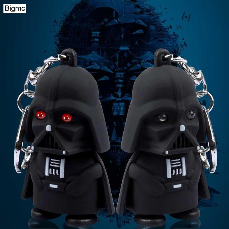 Venda quente Dos Desenhos Animados keychain Preto Star Wars Luz Chaveiro Preto Darth Vader Pingente LEVOU Chaveiro Para O Homem Melhor Presente K1650