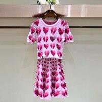 브랜드 패션 여성의 하이 엔드 럭셔리 스트레치 패션 네일 구슬 심장 니트 짧은 소매 t 셔츠 티 최고 + 스커트 세트