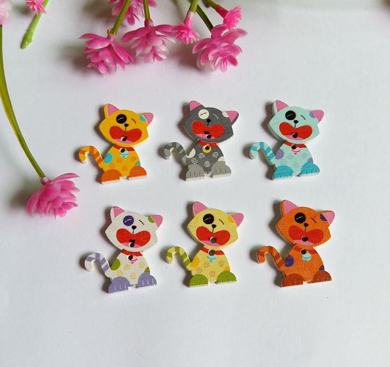 100Pcs Multicolor Printing Cartoon 2 Holes DIY Random Wooden Buttons Sewing Scrapbooking Accessories Decorative 29*25mm