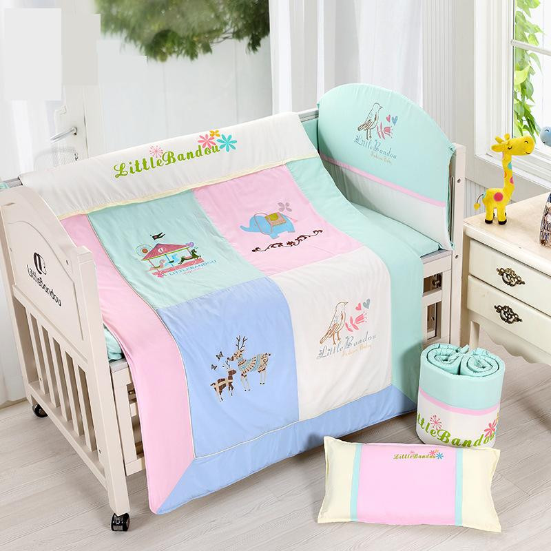 7 Pieces Baby bedding Sets Small Deer Button Printing Seven Sets Pillowx2+Bed Sheets+Bedside+Bed Cushions+ Quilt +Sheets Core image