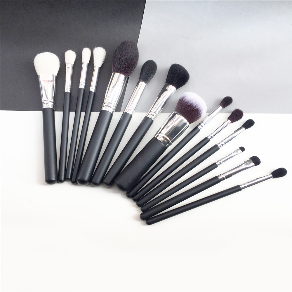 bdbeauty 14 Pieces Brush Set M330 104 401 422 439 438 503 504 505 508 510