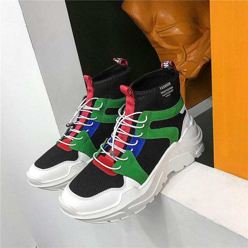 Nouveau Mâle décontracté baskets noires et blanches Jeunes Mode Hommes Chaussures Résistant à L'usure Semelle Épaisse Chaussures pour Hommes Portable chaussures de marche Hommes
