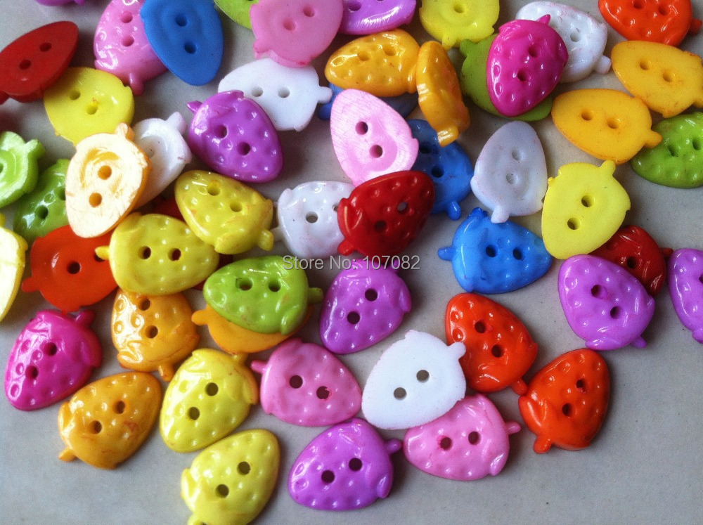 500pcs/lot 11x16mm Strawberry Shape 2-hole Baby Buttons Plastic Scrapbooking Buttons for Sewing