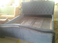 Дизайнер современные ткани кровать/мягкая кровать/двуспальная кровать king size кровать с медных и кнопки ткани