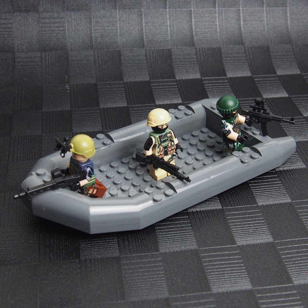 MOC Military Assault Boat Building Block World War 2 weapon Army soldiers City SWAT Building Blocks Toys for children lepin
