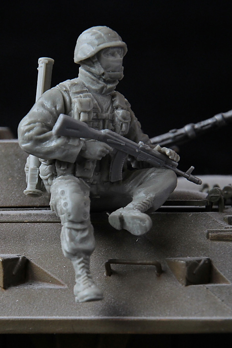 1/35 Modern Russian Scout Soldier Crimea  Toy Resin Model Miniature Kit Unassembly Unpainted