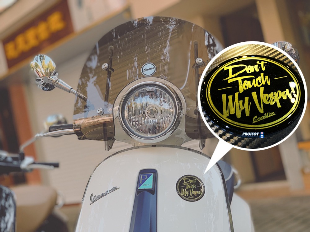 For vespa Front panel logo patch Aluminum alloy sticker Nameplate Magnet nameplate Sticker-in Covers & Ornamental Mouldings from Automobiles & Motorcycles