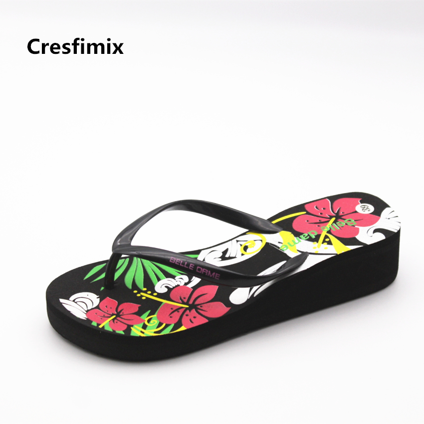 Cresfimix femmes tongs women cute floral printed beach flip flops lady cute indoor & outside comfortable flip flops cool slipper