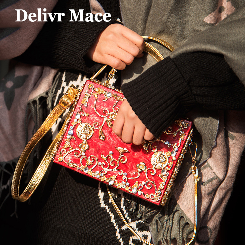 2018 Bride Purses and Handbags Golden Luxury Carved Flowers Ladies Hand Bags Red Acrylic Lock Design Women Evening Clutch Bag trendy women s clutch with envelope and twist lock design