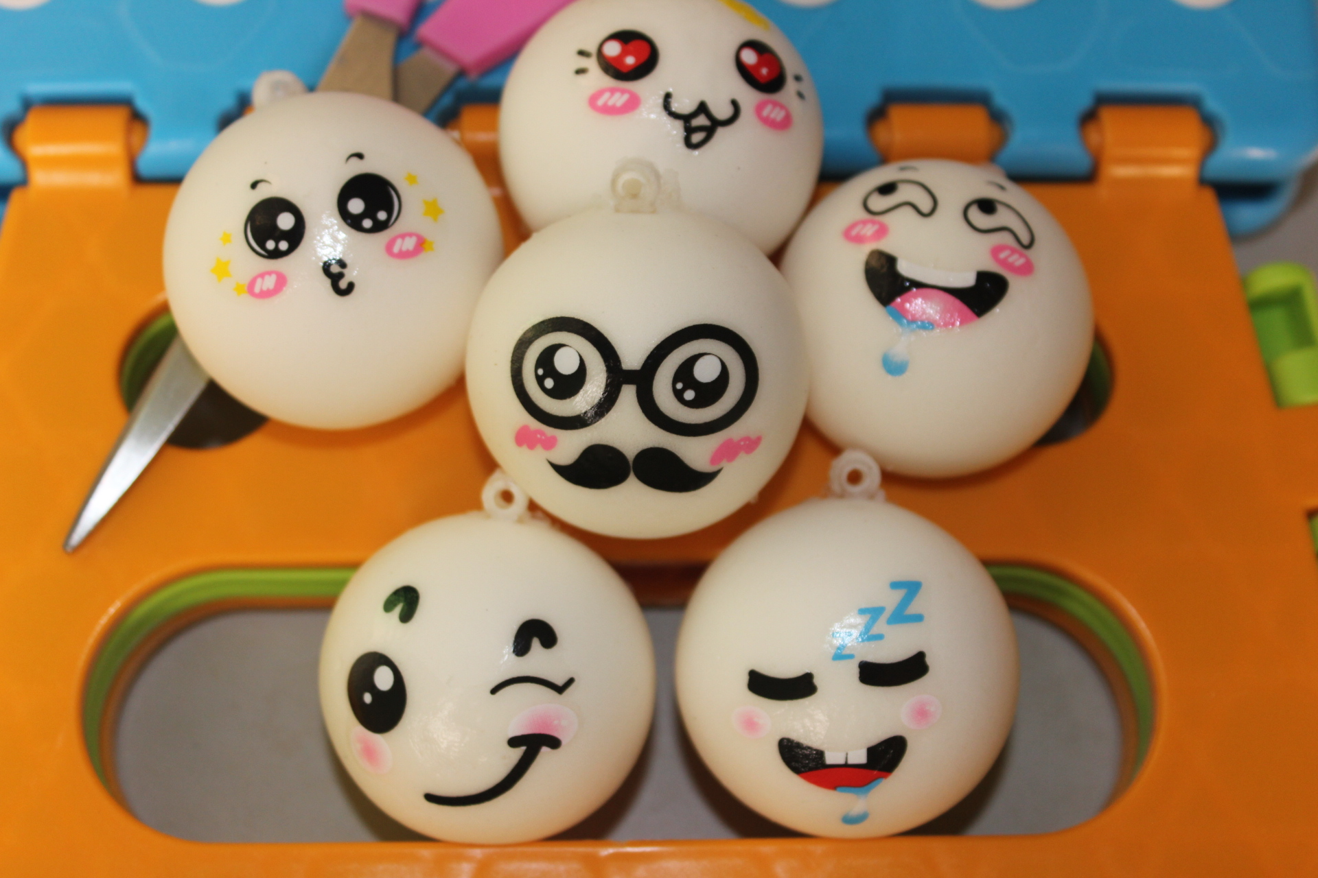 wholesale 30pcs/lot 10cm kawaii 6 Expression squishy jumbo Smiling face squeeze bun toys for cell phone charm squishies bread