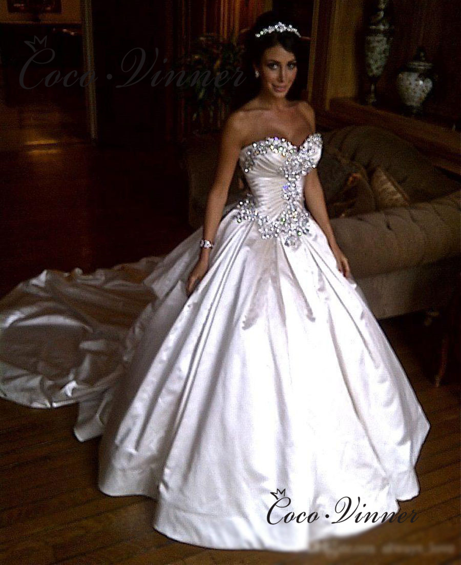Off Shoulder Qualtiy Satin Ball Gown Wedding Dress 2020 Bridal Gown Luxury Crystal Beading Europe Style Wedding Dresses W0345