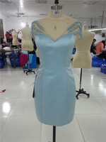 2017 Sexy courte robe de bal scoop décolleté perles perlé genou longueur ciel bleu court satin robes Real sample faite sur commande sevice