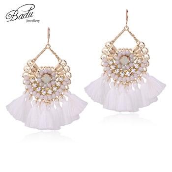 86b856e605e3 Badu blanco borla pendiente de las mujeres de cristal elegante pendientes  2017 diseño barroco 3 colores Bohemia joyería hecha a mano