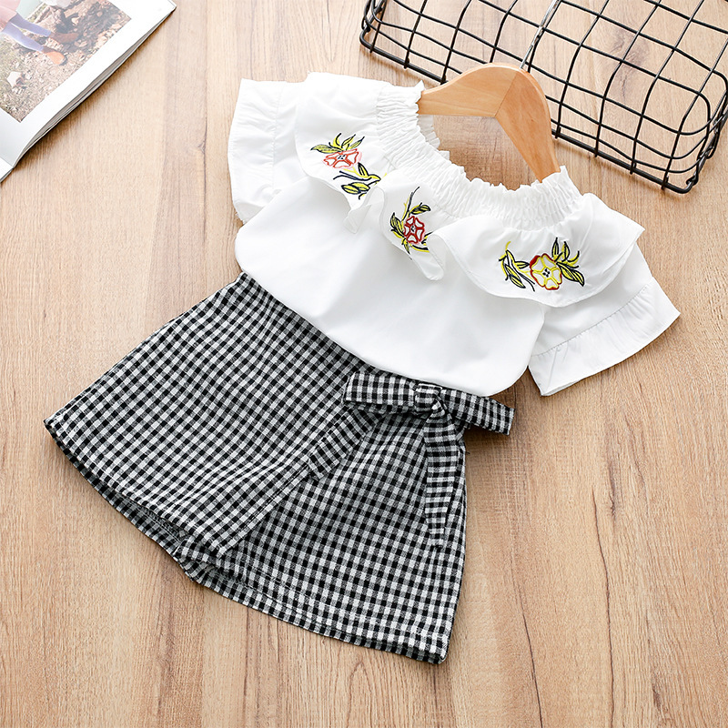 Girls Tops Short Pants New Korean Edition Single Embroidered T-shirts Shorts Children's Suit 2-6 Years <font><b>8372</b></font> image