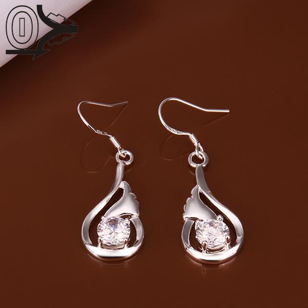 Tourbillon Boucles d/'oreilles avec Premium Noir et Blanc Diamants en argent sterling