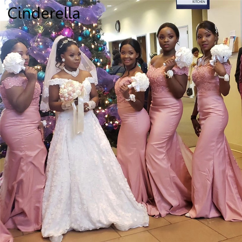 Cendrillon africain hors de l'épaule balayage Train dentelle Applique élastique Satin sirène robes de demoiselle d'honneur robes de mariée - 3