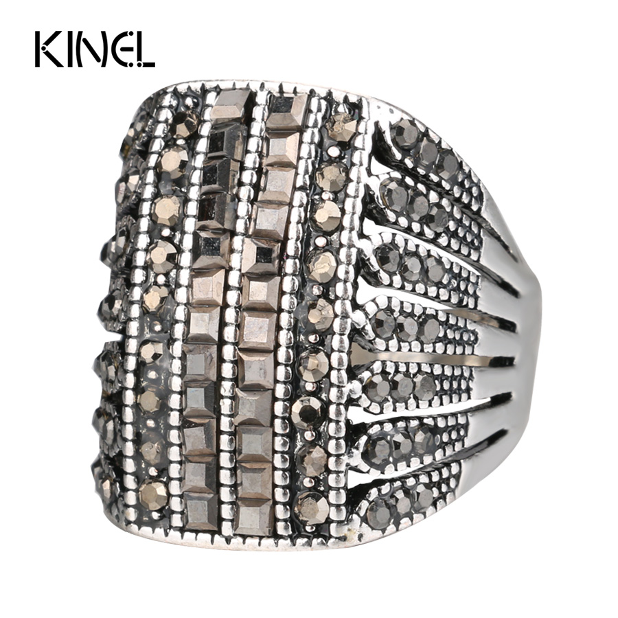 Kinel Punk Rock Sort Crystal Rings For Women Vintage Bryllupsfest Tilbehør Love Gift Fashion Big Butterfly Ring