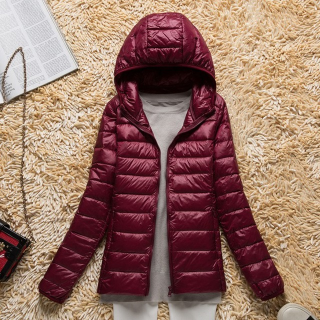 New Autumn Winter Women Ultra Light Down Jacket Warm Hooded White Duck Down Lightweight Parkas Female Slim Thin Short Coat SF432