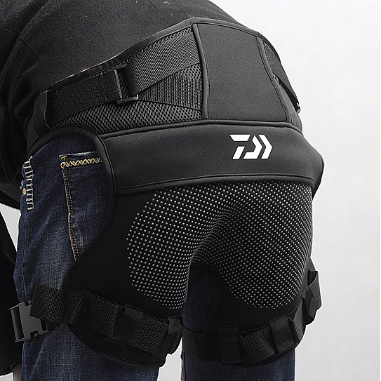 2018 New Daiwa Dawa Mesh Breathable Hip Cushion Sea Fishing Anti Slip Cushion Rock Fishing Clothes