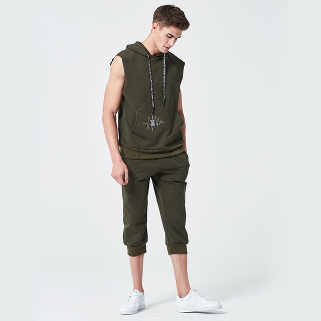 Sporting Mens Sleeveles Vest Pants Suits Moletom 2018 Shorts Summer  Tracksuit Two Piece Hoodie Set Clothing 4275d890d