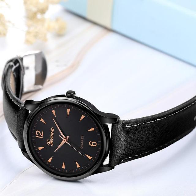 Moment # L05 2018 Montre femme Luxury Geneva Fashion Faux Leather black grown Mens watches Blue Ray Glass Quartz Analog Watches