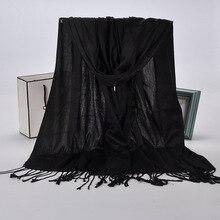 FOXMOTHER شال جديد الشتاء النساء أسود أحمر بلون مسلم الحجاب فولارد وشاح فسكوز التفاف مع شرابة الأوشحة السيدات 2019