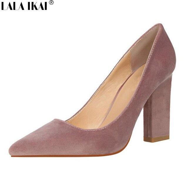 bbde4bbb7 Купить LALA IKAI женские туфли лодочки, модные туфли из флока с острым  носком на квадратном каблуке, женские свадебные вечерние туфли на высоком  каблук.