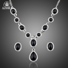 AZORA Gorgeous White Gold Color Stellux Austrian Crystal Stud Earrings and Heart Pendant Necklace Set TG0013