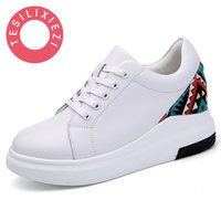 2017 New Autumn And Summer With White Shoes Women Flat Leather Canvas Shoes Female White Board
