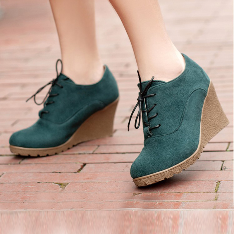 US $15.0 31% OFF|Ladies Comfortable Fashion Platform Shoes Casual Women Shoes Solid Short Knight Boots Ladies Wedges Female Flat Shoes BT708 in Ankle