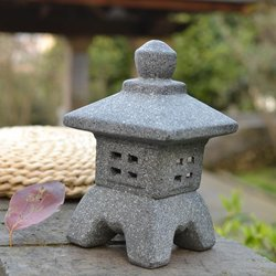Japanese-style Ceramic Garden Ornament Pagoda Garden Yard Sculpture Lantern Crafts Candle Holder Patio Home Decoration Teahouse