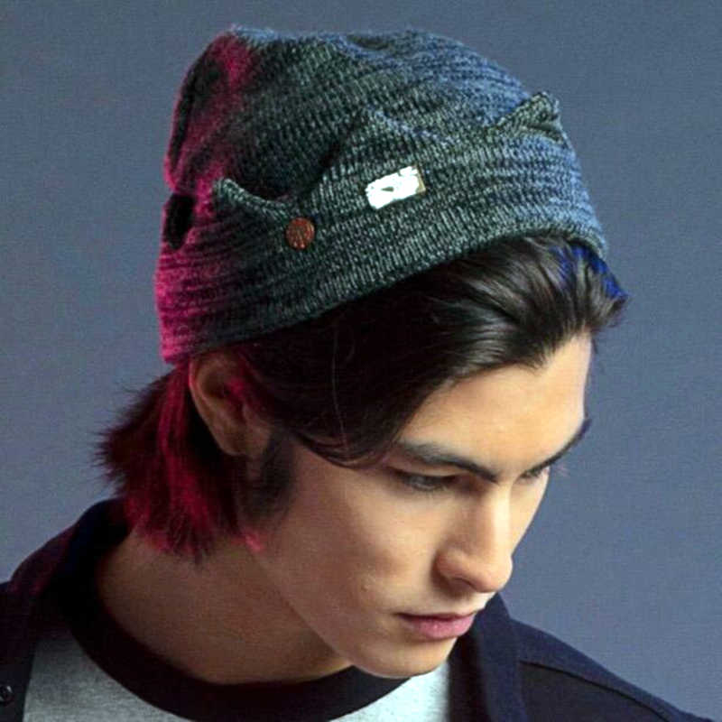 Jughead Jones Riverdale Cosplay Beanie Hat with Brooch Pins Exclusive Crown Knitted Cap Hat Accessories