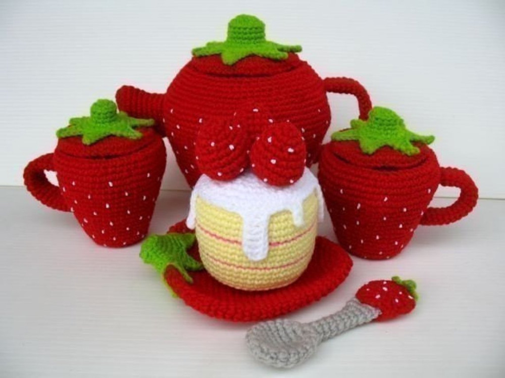 Crochet Toys  Amigurumi  Toy  Strawberry Cup      Model Number W15790