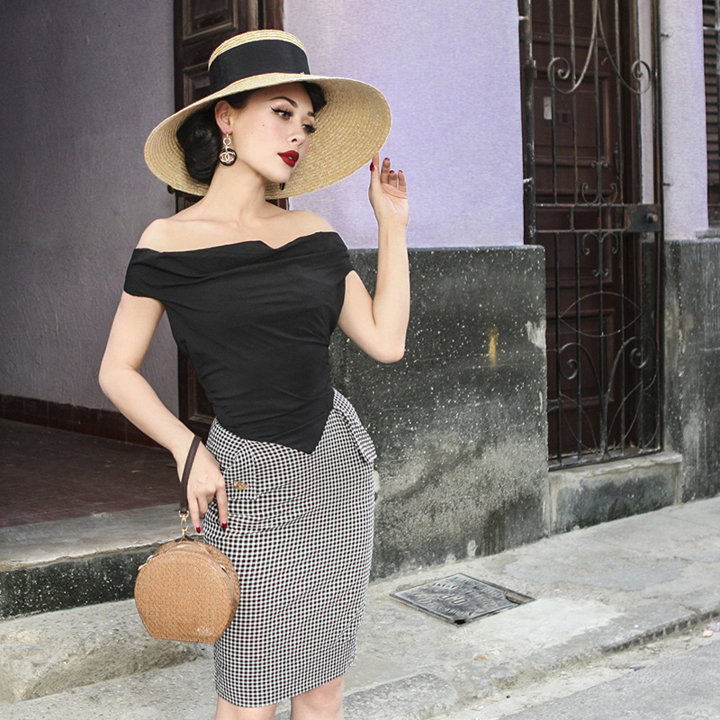Le palais cru 2018 D'été Vintage Hepburn Robe Slash Encolure Mince de Grande Hauteur Contraste Couleur Type Plaid Patchwork
