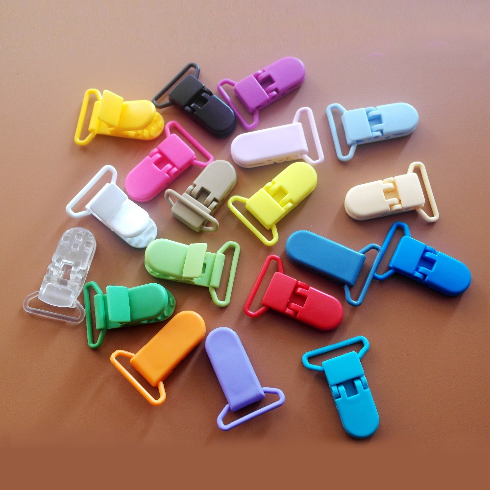 100 pcs 20 color mixed Hot D shape 25mm Plastic Baby Dummy Pacifier clip Soother Clip Suspender Clip Pacifier Holder Clips in Pacifier from Mother Kids
