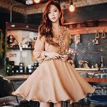 Dabuwawa Spring New Ruffles V-Neck Vintage Midi Dress for Girls Woman Lady 2019 Long Puff Sleeve Romantic Party DN1ADR020