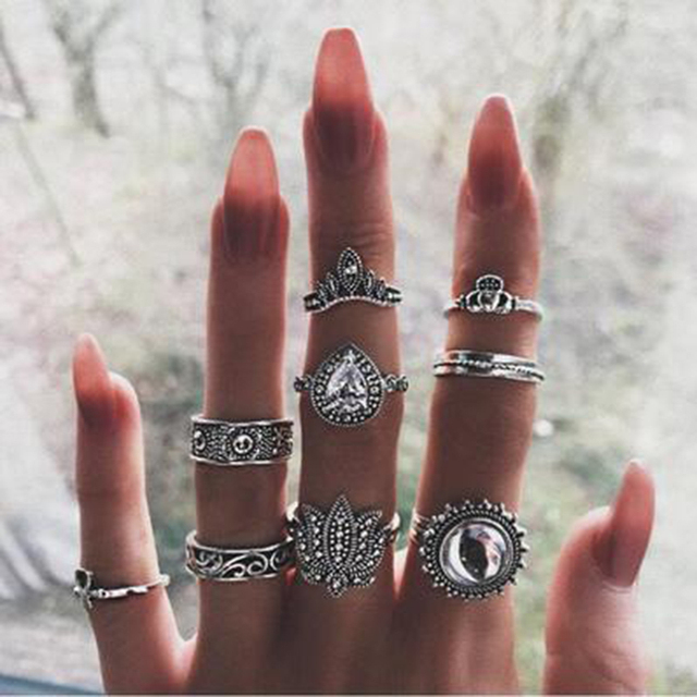 Tocona 9pcs/set Vintage Bohemia Rings Set Antique Silver Carving Rings for Women High Quality Charming Hollow Fashion Rings 6001