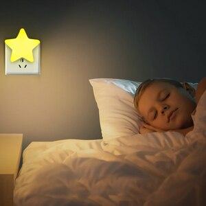 Image 2 - 4 di colore Mini Star HA CONDOTTO LA Luce di Notte Con La UE/Spina DEGLI STATI UNITI per il Buio della Notte Del Bambino Che Dorme Luce Lampade Da Comodino LED di Controllo del Sensore di Luce di Notte