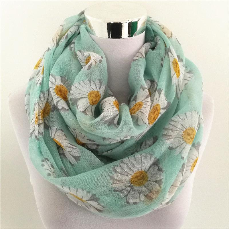 Daisy Flowers Loop Scarf | Infinity Scarves
