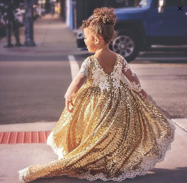 Glitter Sheer Mouwen Lange Trein Bloem Meisje Jurken Crystals Junior Prom Gown Voor Pageant Baby Peuter Verjaardagsfeestje Jurk Bloedcirculatie Activeren En Pezen En Botten Versterken
