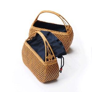 Image 2 - 여성 대나무 손 가방 보헤미안 비치 핸드백 레이디 빈티지 등나무 핸드백 중공 수제 짠 바구니 토트