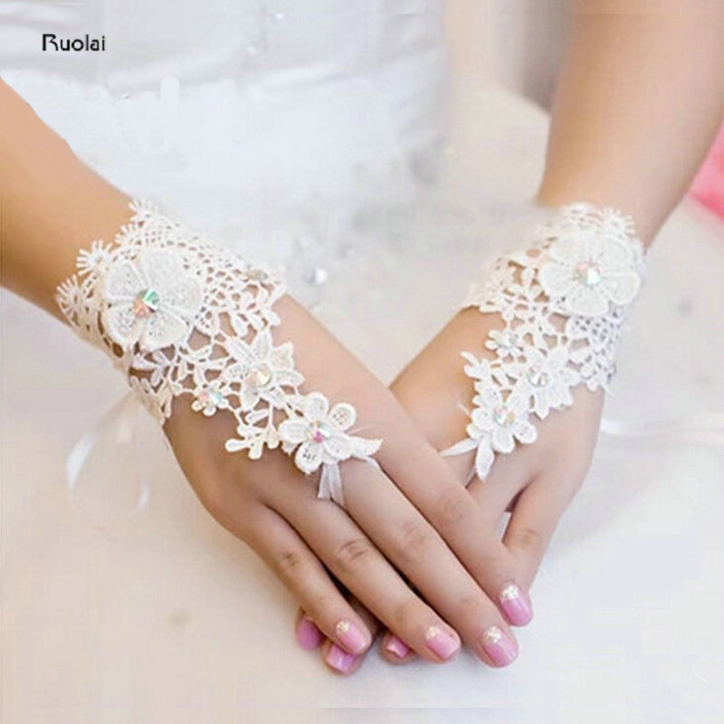 2016 Hot Sale High Quality Flowers Ivory Bridal Gloves Fingerless Rhinestone Lace For Wedding Party Prom Wrist Gloves
