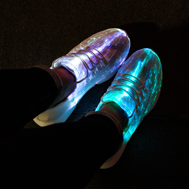 Tamanho 25-47 UncleJerry Novo Verão Calçados para meninas dos meninos das mulheres dos homens De Fibra Óptica Levou Recarga USB Tênis brilhantes homem luz até sapatos
