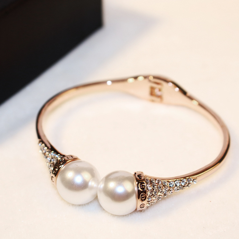 Rose Gold Color Acrylic Pearl Cuff Bracelets With Rhinestones New Style Womens Bracelet Jewelry Fashion 2016