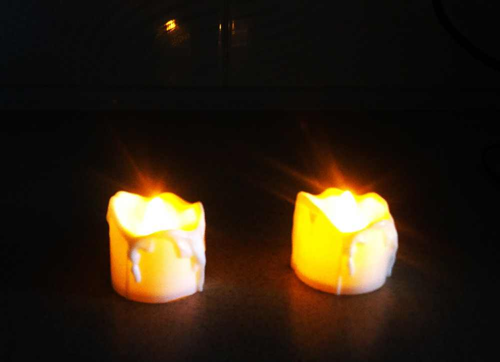 Plastic Yellow Flicker Battery Electric Candles Flameless Tea Lights For Christmas Halloween Wedding Decoration Free Shipping