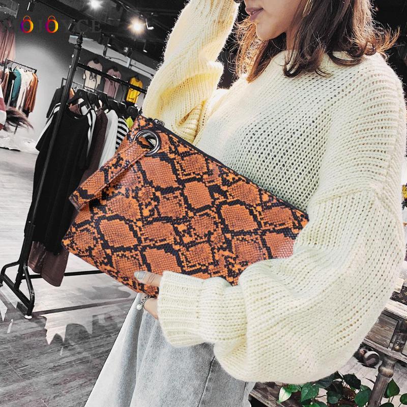 Fashion Snake Print Wristlet Clutch Women PU Leather Envelope Day Clutch Women Handbag Snake Print Design Stylish PU Leather