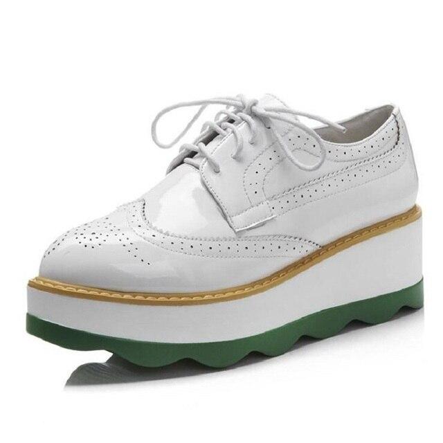 nouvelle chaussure a la mode femme